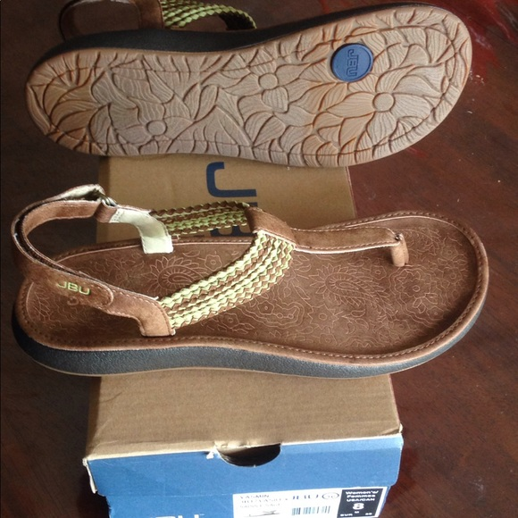 633185fbde266 New tags women's JBU Jamba sandals 8 shoes brown NWT